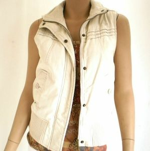 Roxy sleeveless cream vest with removable hood
